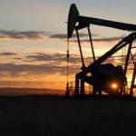 Венесуэла будет бороться с кризисом, наращивая нефтедобычу