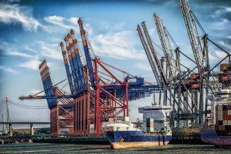 Эксперты: Фрахт растет на фиктивных сделках