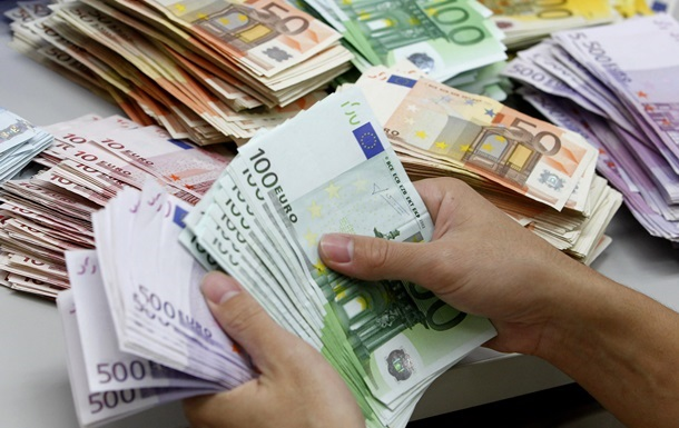 Иран отказался от доллара в международных расчетах