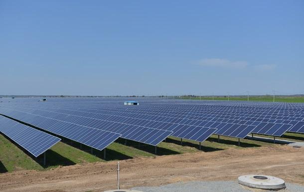 В Украине запустили первую очередь крупнейшей солнечной электростанции